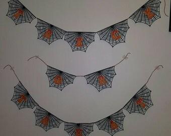 """Halloween Spiderweb """"Trick or Treat"""" Banner"""