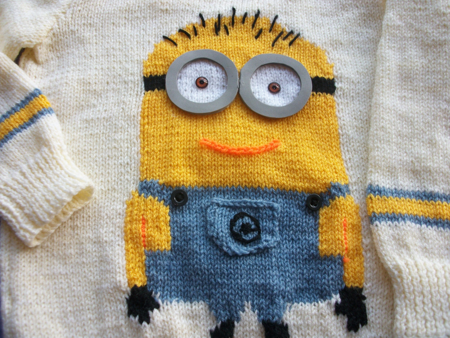 Boy or girl pullover minion picture knitting knitting pattern in this is a digital file bankloansurffo Images