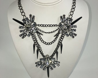 Chained Collection: Carmi Necklace (White)
