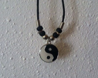 90s yin yang necklace