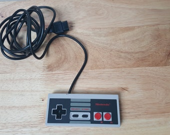 Original Nintendo NES Controller Authentic Nintendo ! Very clean ! From NintendoTopia