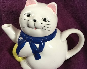 cute kitten teapot