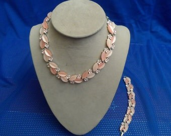 Vintage lucite peach choker and matching bracelet, vintage jewelry set