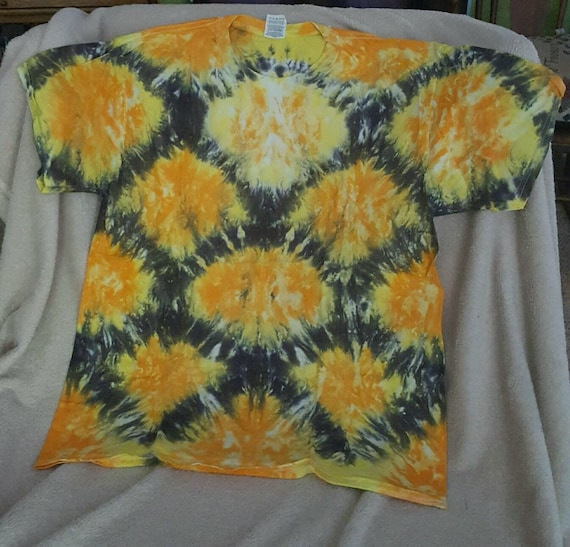 fish scale tie dyed t shirt