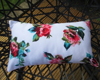 Vintage style floral cushion cover and cushion plan included