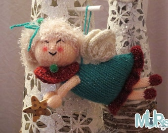 Decorating Damsels Hanging Ornament Knitting Pattern