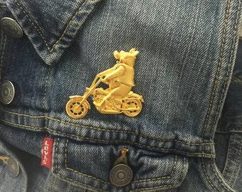 golden hog riding a hog brooch pin (stock # 149)