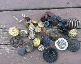 Antique 19th and Early 20th Century Military & Civilian Buttons
