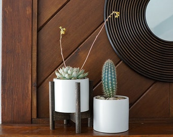 """Mid Century Planter with Wooden Stand 5"""" diameter"""