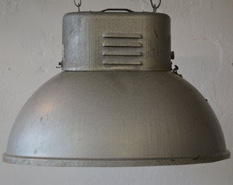 Industrial oval lamp