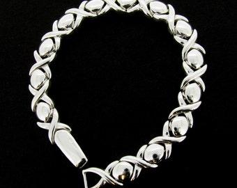 "Sterling Silver Hugs & Kisses Design Bracelet 7.5"""