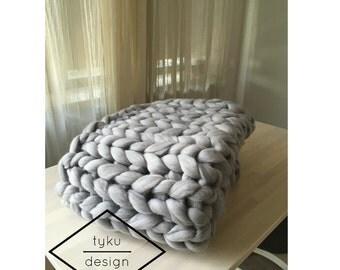 Very warm and cozy blanket - 100% merino wool
