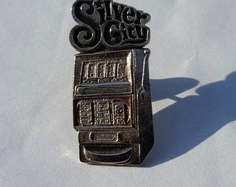 Vintage Silver City Casino Slot Machine Pin Button Las Vegas
