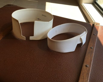 Set of 2 mens starched collars size 15 1/2