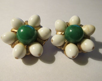 """Vintage White and Green """"Daisy"""" Clip Style Earring, 1 1/4"""""""