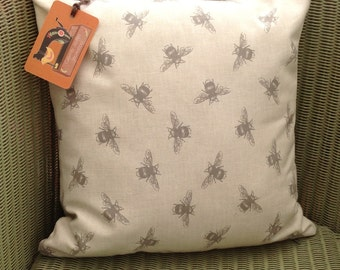Bee Cushion with Pad