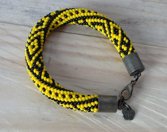beads bracelet Ucrainian Ornament Black and Yellow