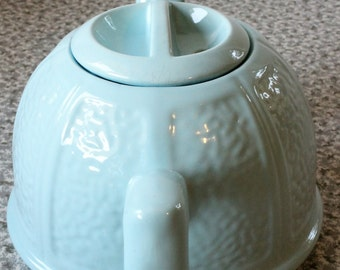 Beverly Tableware Staffordshire England Robbin's Egg Blue Teapot and Aluminum Wool Cozy, 1940s Vintage