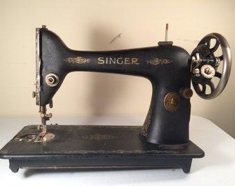 Singer Sewing Machine Model 66-16