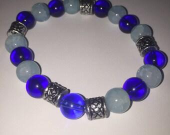 Light and dark blue glass beaded bracelet