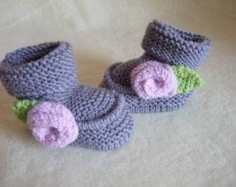 Hand knitted 100% Merino Newborn Baby Girl Bootees, Boots with Rose. To fit approx. 0-4 months. Grey Merino Bootees. Gray Baby Girl Bootees