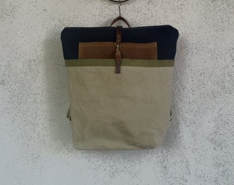 Waxed Canvas Backpack in Off-white and Royal Blue