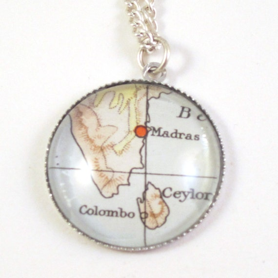 Map necklace - Asia variatons 20 mm