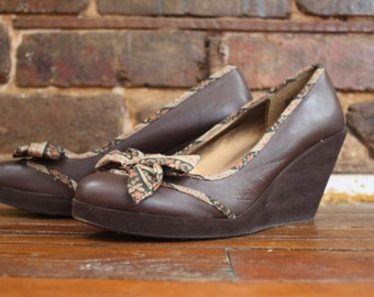 Granny Wedges w/ Green Floral Bow
