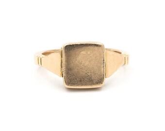 Men's Antique Gold Signet Poison Ring