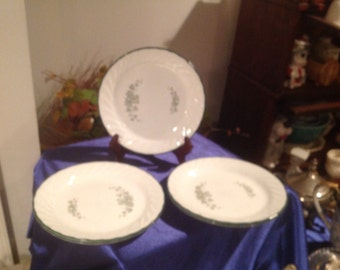 "set of fivr  7"" plates corelle  calloway pattern"