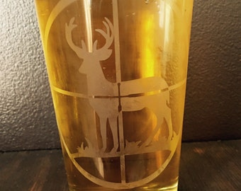 """Etched Glass """"Deer in Sight"""" Beer Glass"""