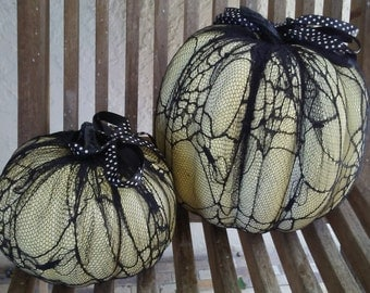 black and white lacy pumpkin set