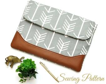 Laptop Sleeve Pattern, Laptop Case Pattern, DIY Laptop Case, Sewing Pattern PDF, Clutch Pattern, Book Bag Pattern, Laptop Pattern (B902)