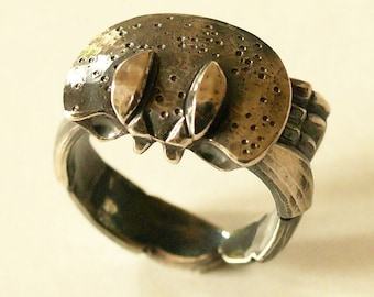 """Crab"", 925, cast sterling silver ring."