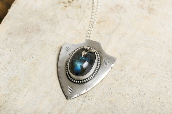 Ethnic necklace Sharp Labradorite in solid silver and Flower - Indian Jewel