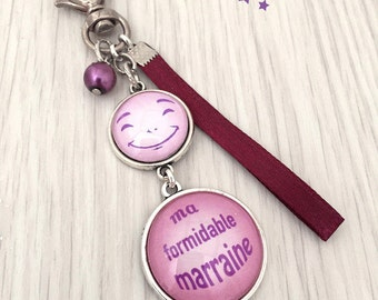 great Keychain bag charm has message godmother pink. REF.12