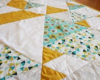 modern baby quilt -- 002   multisize triangles design