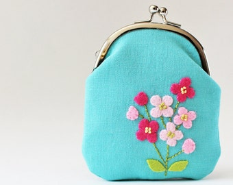 Card case / coin purse - pink flowers on aqua blue, kiss lock coin purse, business card holder, light blue, sky blue, hot pink, spring