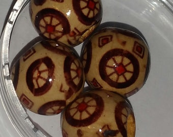 14mm Wooden Decorated Bead