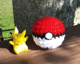 Crochet Pokeball Keychain
