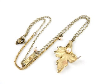 Fleur - Vintage Gold Tone & Pearl Brooch Necklace