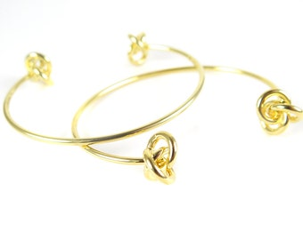 Gold Plated Double Knot Cuff  - (1x) (K716)
