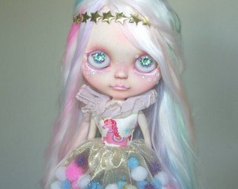 Empress Unicorn pom-pom dress for Blythe and Pullip - pink and gold