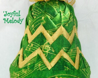 Green and Gold Quilted Bell Ornament Kit - Joyful Melody