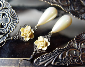Light Yellow Pearl and Flower Earrings, Vintage Inspired Earrings