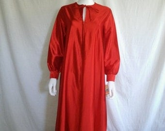 SALE 70's RED Dress robe    NWT deadstock