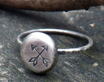 Double arrow sterling silver ring
