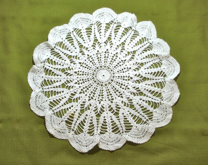 Vintage Large Crocheted Lace Doily 17 inch