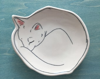 Canape plate | Kitty Plate | Warm Kitty Dessert plate | Jewelry catchall | Cat plate | Sleeping Cat | porcelain plate | Bread plate