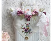 White Hanging Metal BASKET Door Hanger Shabby Cottage Chic Pink Roses Lace ECS schteam sct SVFteam